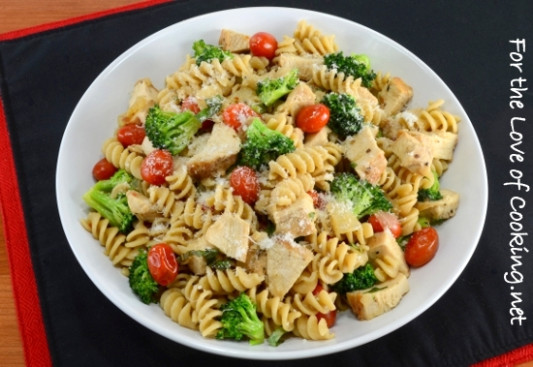 Rotini Pasta with Chicken, Broccoli, Tomatoes, Parmesan ...