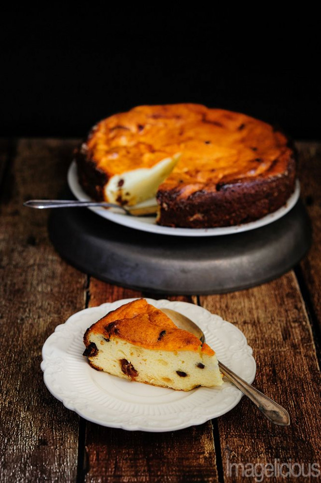 Russian Cheesecake - made with Farmers Cheese and raisins ...