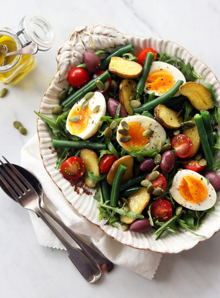 Rustic Dinner Salad with Roasted Potatoes, Olives and Eggs ...