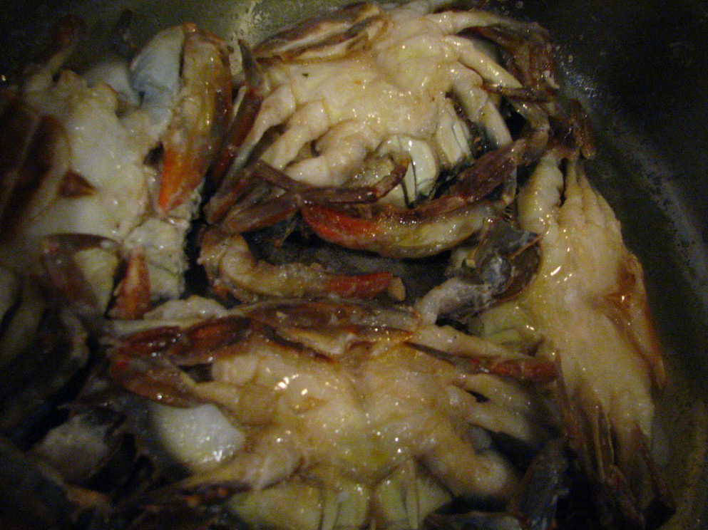 Sauteed Soft Shell Crabs with Butter and Garlic