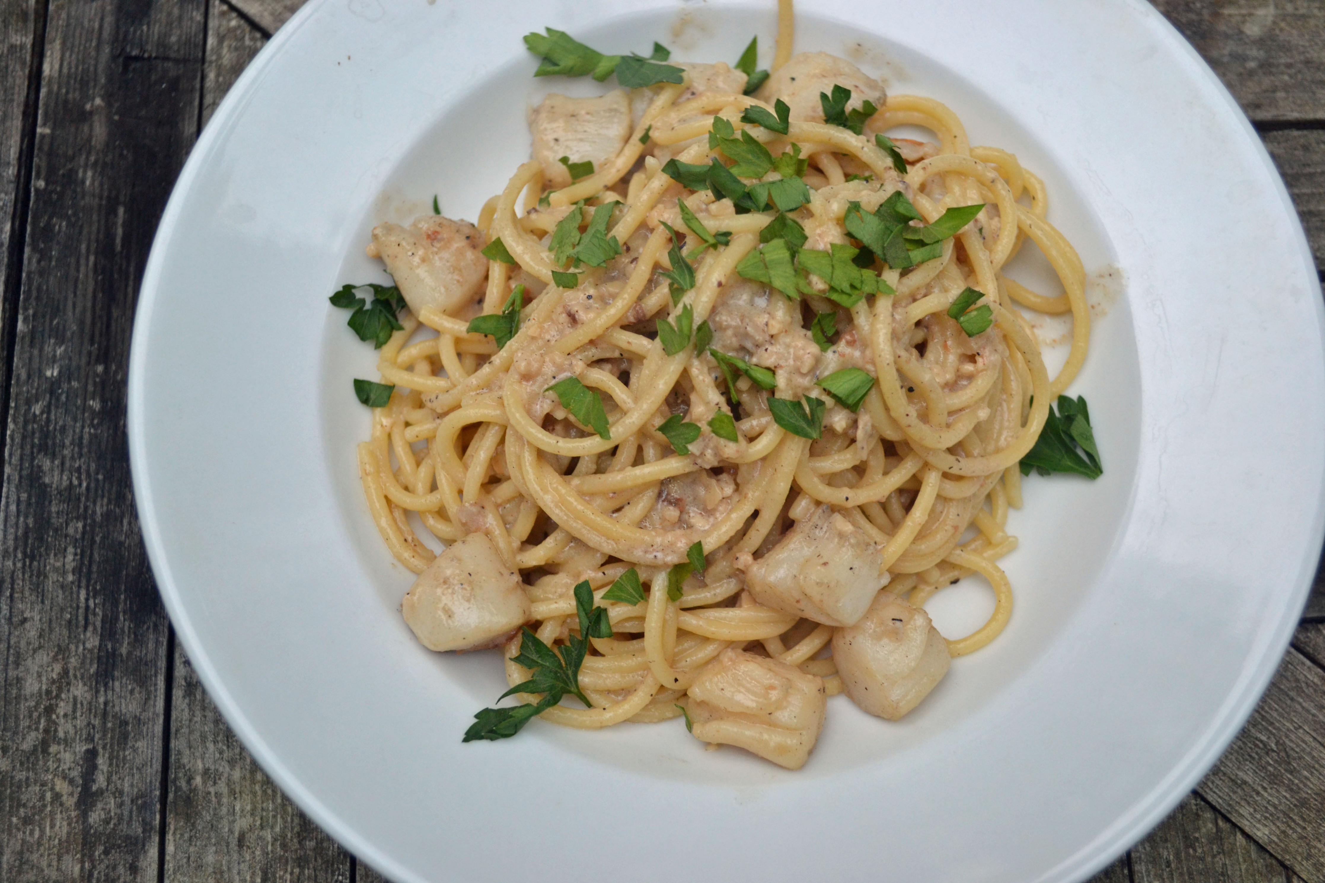 Scallop Pasta with Garlic White Wine Sauce – My Bizzy Kitchen