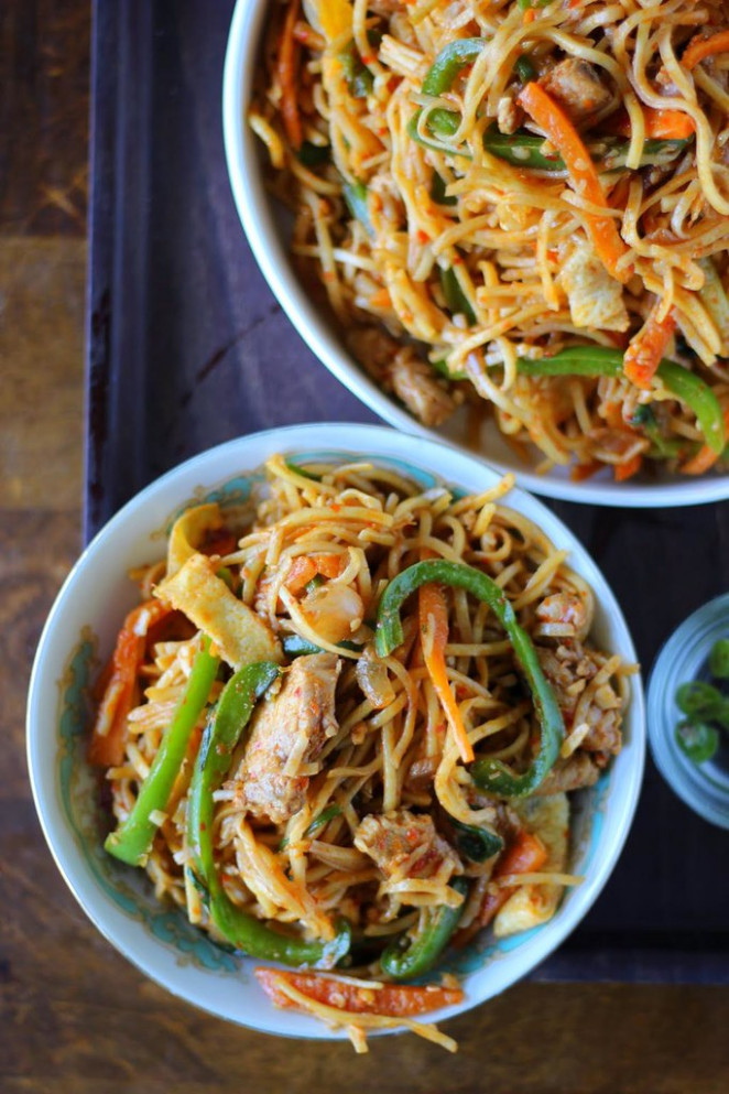 schezwan-chicken-noodles-recipe