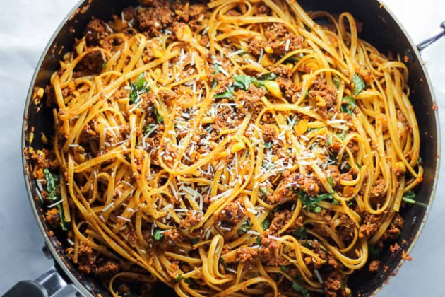 Simple Beef Linguine Pasta with Parmesan and Basil ...