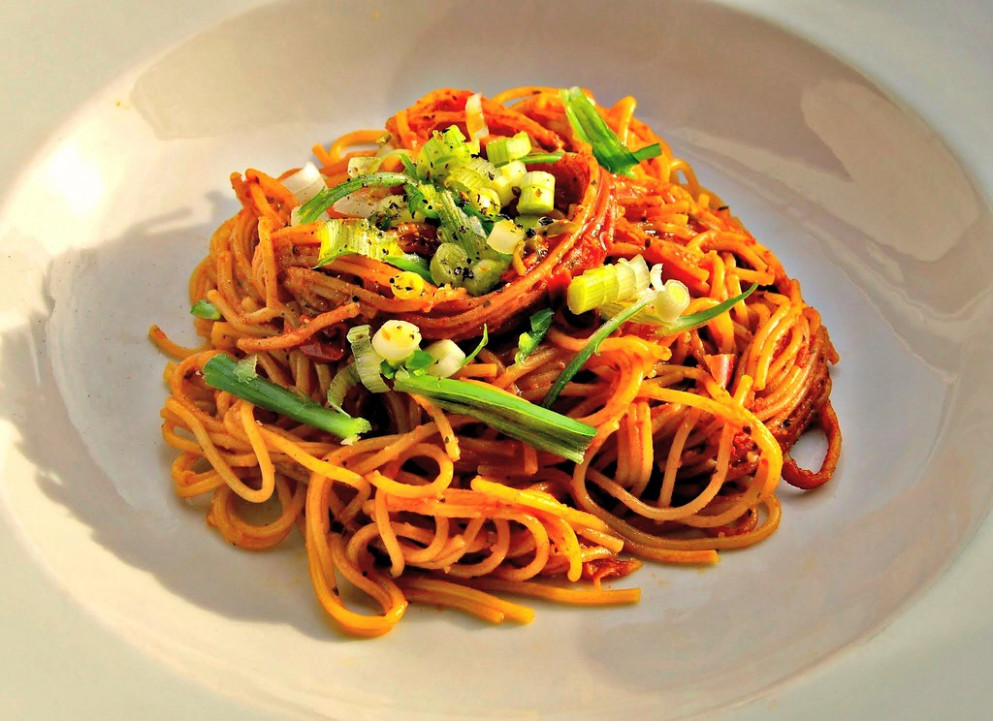 Simple Spegetti with Chilli Sauce