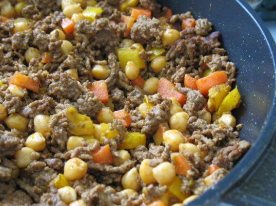 Singapore Noodles With Ground Beef And Chickpeas Recipe ...