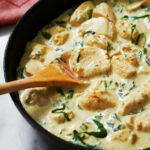 Skillet Chicken with Spinach Cream Sauce Recipe — Eatwell101
