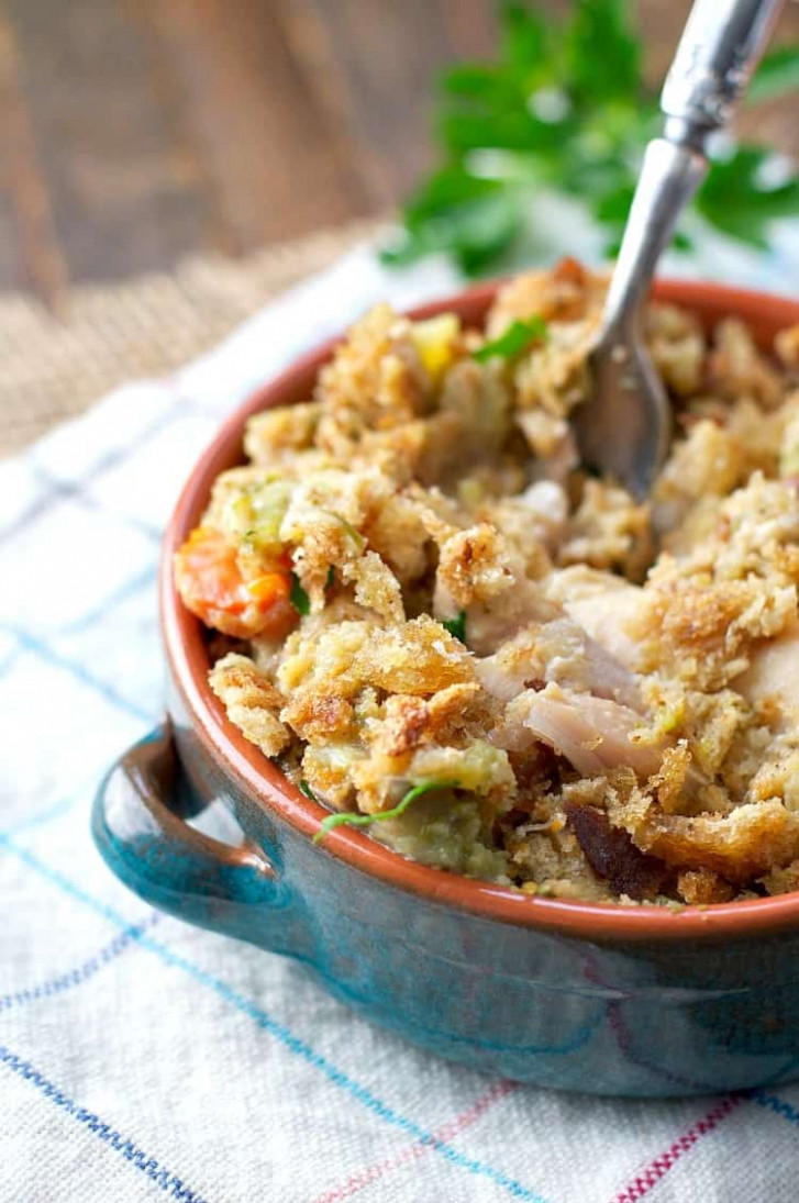 Slow Cooker Chicken And Stuffing Casserole – The Seasoned Mom