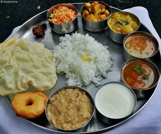 South Indian Thali | A full Indian meal | Indian Thaali ...