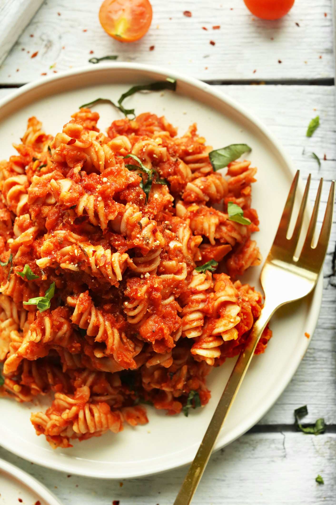 Spicy Red Pasta with Lentils | Minimalist Baker Recipes