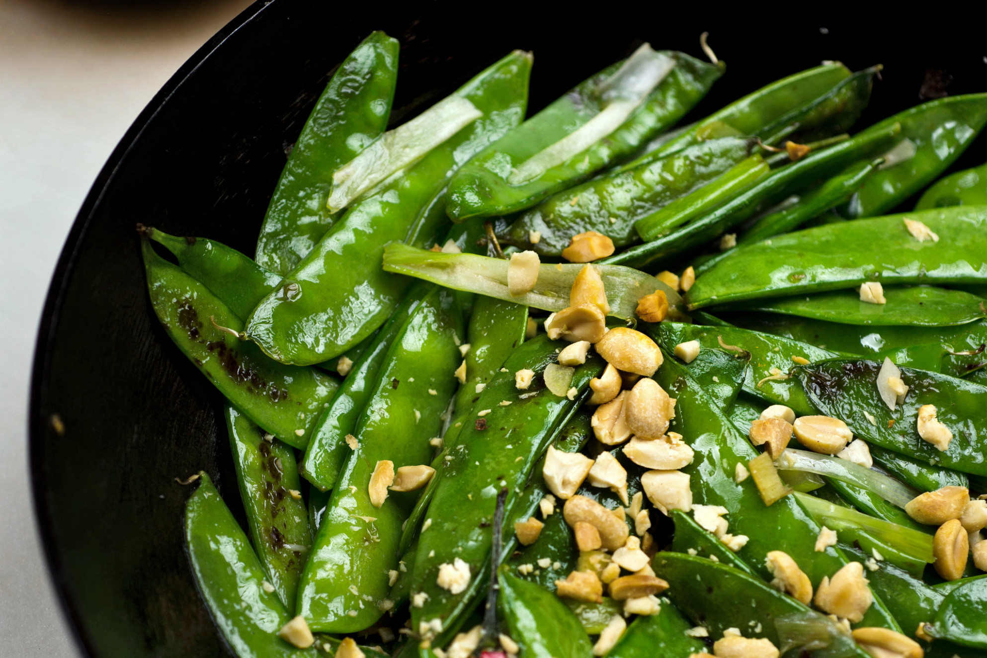 Spicy Wok Charred Snow Peas Recipe – NYT Cooking
