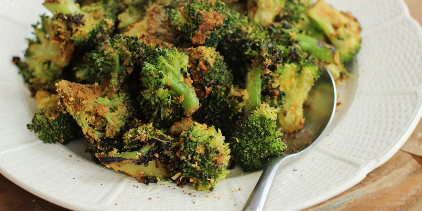 Stovetop-roasted Broccoli with Nutritional Yeast ...