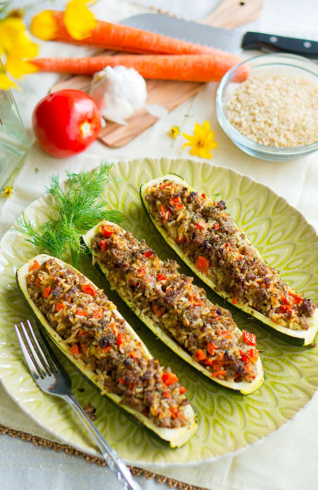 Stuffed Zucchini Boats with Garlic Sauce - Delicious Meets ...