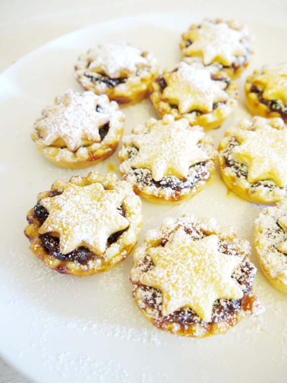 Super Easy British (Sweet) Mince Pies Recipe - Party Ideas ...