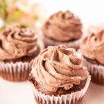 THE EASIEST HEALTHY CHOCOLATE CUPCAKES! | LA LIZA