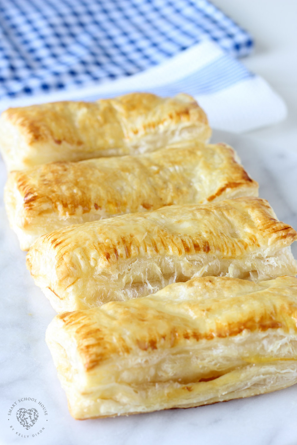 The MOST DELICIOUS Easy Peach Puff Pastry Recipe