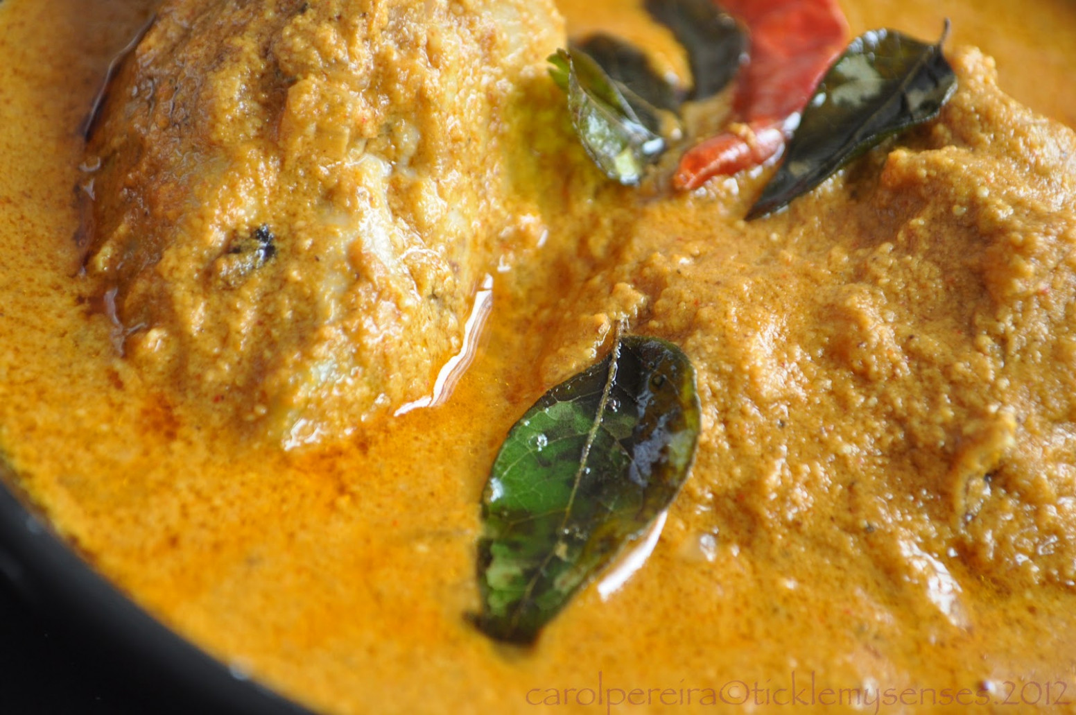 Tickle My Senses: Goan Chicken Xacuti without Coconut.