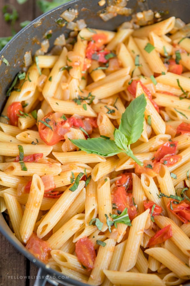 Tomato Basil Pasta | Easy Penne Pasta Recipe for Lunch or ...