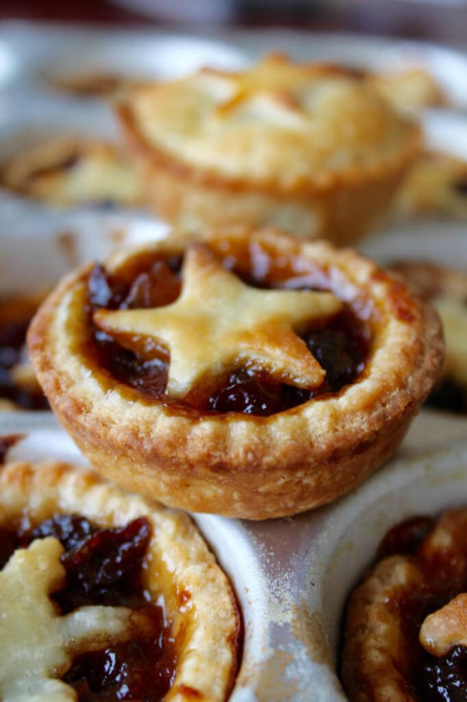 Traditional Mince Pies - Gemma's Bigger Bolder Baking