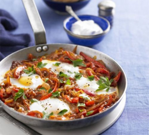 Turkish one-pan eggs & peppers (Menemen) recipe | BBC Good ...