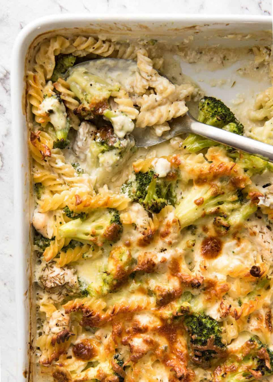 Ultra Lazy Creamy Chicken and Broccoli Pasta Bake