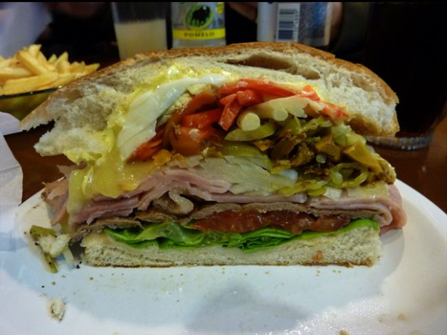 Uruguay Food - Now that's a sandwich! | Yum! I'll have ...