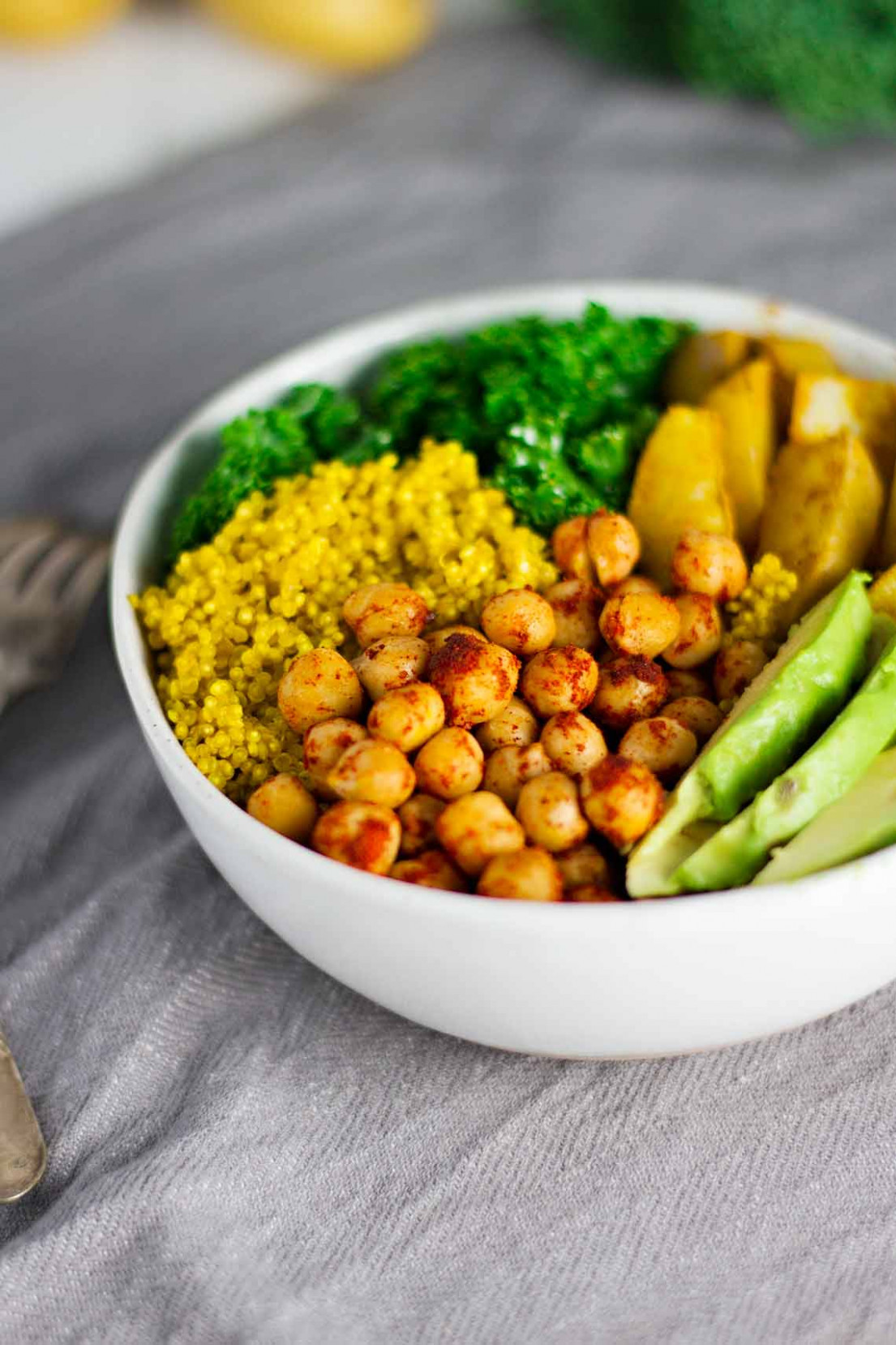 Vegan Turmeric Quinoa Power Bowls - Jar Of Lemons