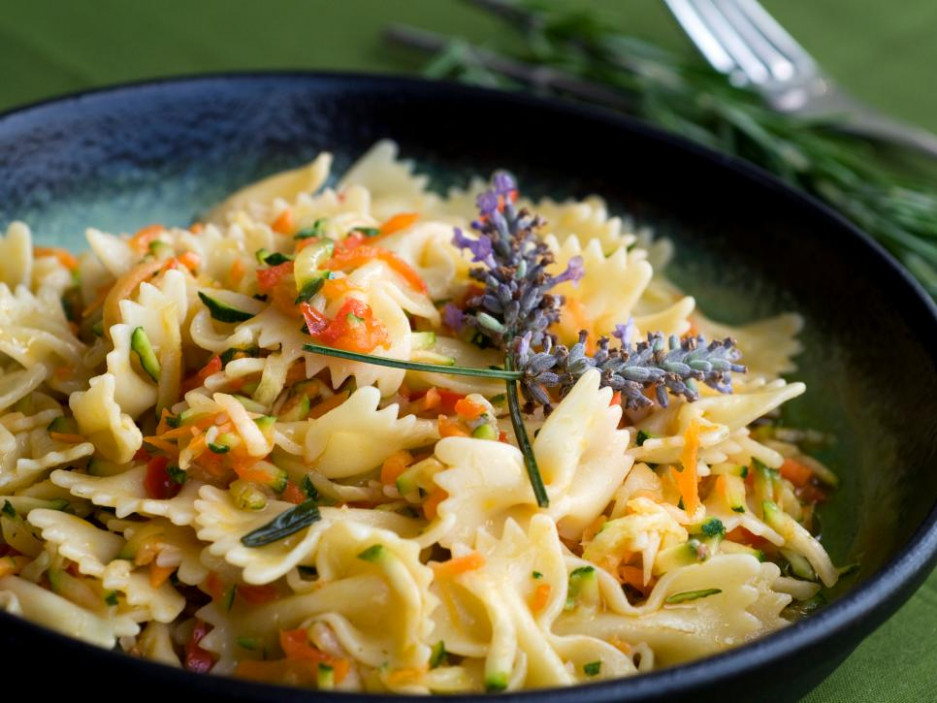 Vegetarian Pasta Recipes : Macaroni & Cheese, Pasta Salads ...