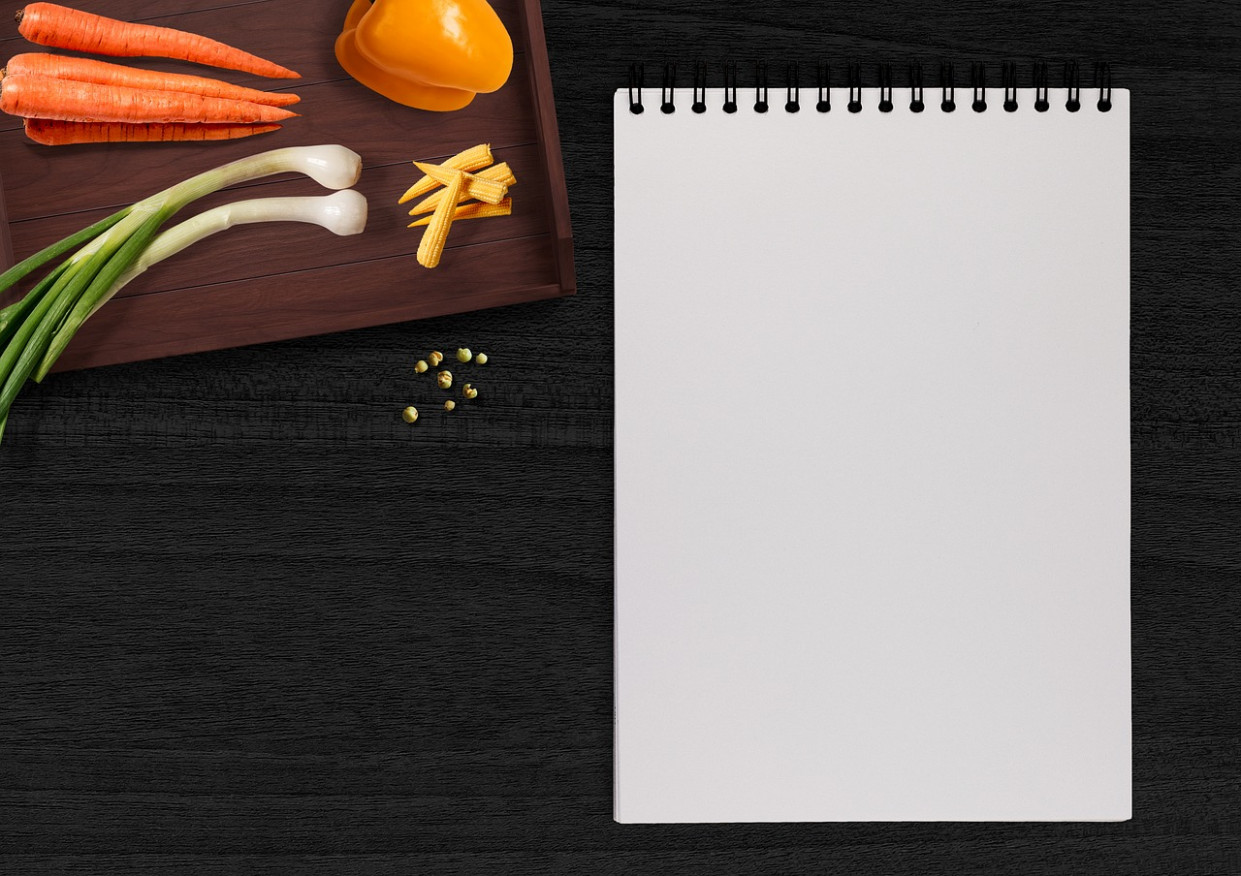Writing Pad, Vegetables, Table, Tray